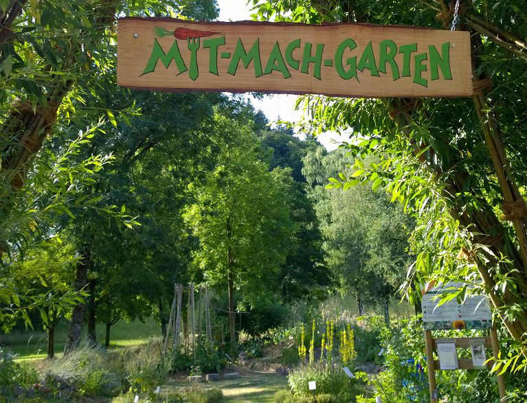 Das Bild zeigt einen Mit-Mach-Garten.