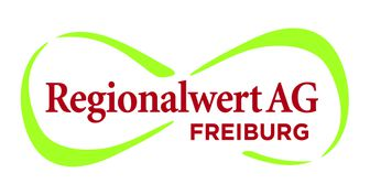 Der rote Schriftzug der Regionalwert AG Freiburg mit zwei umrandenden geschwungenen grünen Linien
